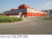 Купить «Гипермаркет Магнит в Энгельсе», фото № 23279392, снято 16 июля 2016 г. (c) Pavel Denisov / Фотобанк Лори