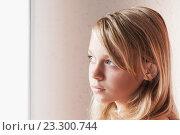 Купить «Портрет девушки подростка», фото № 23300744, снято 23 августа 2014 г. (c) EugeneSergeev / Фотобанк Лори