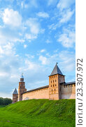 Купить «Башни кремля, Великий Новгород, Россия», фото № 23307972, снято 22 июня 2016 г. (c) Зезелина Марина / Фотобанк Лори
