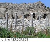 Развалины древнего аифитеатра в Турции. Стоковое фото, фотограф Фёдор Ромашов / Фотобанк Лори