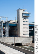 Купить «Система шлюзов на Волгоградском гидроузле», фото № 23310248, снято 27 июня 2016 г. (c) Татьяна Кахилл / Фотобанк Лори
