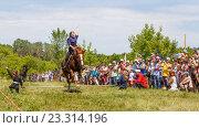 Купить «Девочка казачка скачет на лошади», фото № 23314196, снято 18 июня 2016 г. (c) Акиньшин Владимир / Фотобанк Лори