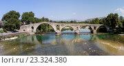 Купить «Знаменитый мост в Арте (Эпир, Греция)», фото № 23324380, снято 22 июля 2016 г. (c) Татьяна Ляпи / Фотобанк Лори