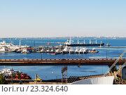 Панорама морского порта (2016 год). Редакционное фото, фотограф Юлия Желтенко / Фотобанк Лори