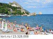 Купить «Крым, пляж в Гурзуфе», фото № 23328008, снято 19 июня 2019 г. (c) Овчинникова Ирина / Фотобанк Лори