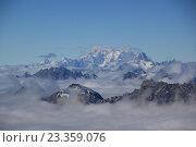 Вид на вершину горы Монблан со стороны Швейцарии (2013 год). Стоковое фото, фотограф Эльвира Рубан / Фотобанк Лори