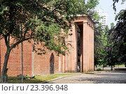 Купить «Могила философа Иммануила Канта в Калининграде», эксклюзивное фото № 23396948, снято 5 июля 2015 г. (c) stargal / Фотобанк Лори