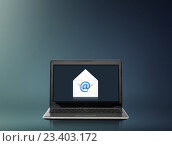 Купить «laptop computer with email letter on screen», фото № 23403172, снято 14 ноября 2013 г. (c) Syda Productions / Фотобанк Лори