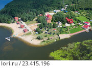 Вид с высоты на озеро Селигер и турбазы на берегу (2016 год). Стоковое фото, фотограф Елена Коромыслова / Фотобанк Лори