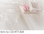 Мягкий свадебный фон с кружевами. Стоковое фото, фотограф Светлана Сухорукова / Фотобанк Лори