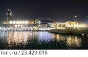 Купить «Ночной городской пейзаж. Набережная у моря», видеоролик № 23429016, снято 24 октября 2014 г. (c) Elnur / Фотобанк Лори