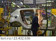 Купить «АвтоВАЗ, производство сварки кузовов», эксклюзивное фото № 23432636, снято 20 сентября 2018 г. (c) Staryh Luiba / Фотобанк Лори