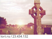 Купить «old grave cross on celtic cemetery in ireland», фото № 23434132, снято 24 июня 2016 г. (c) Syda Productions / Фотобанк Лори