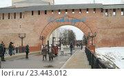 Купить «Старые башни Новгородского Кремля, Волга, Россия», видеоролик № 23443012, снято 4 февраля 2016 г. (c) worker / Фотобанк Лори