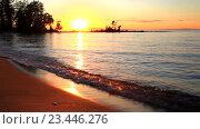 Купить «Красивый летний закат на песчаном берегу озера Байкал», видеоролик № 23446276, снято 29 августа 2016 г. (c) Виктория Катьянова / Фотобанк Лори