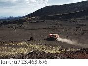 Купить «Камчатка, автомобиль КамАЗ едет по горной дороге», фото № 23463676, снято 24 июня 2016 г. (c) А. А. Пирагис / Фотобанк Лори