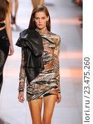 Купить «MILAN, ITALY - SEPTEMBER 26: A model walks the runway during the Roberto Cavalli fashion show as part of Milan Fashion Week Spring/Summer 2016 on September 26, 2015 in Milan, Italy.», фото № 23475260, снято 26 сентября 2015 г. (c) Anton Oparin / Фотобанк Лори