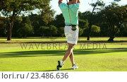 Купить «Golfer playing golf », видеоролик № 23486636, снято 22 июля 2019 г. (c) Wavebreak Media / Фотобанк Лори