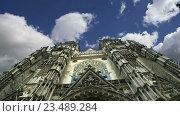 Купить «Готический собор Святого Гатьена. Франция», видеоролик № 23489284, снято 5 сентября 2016 г. (c) Владимир Журавлев / Фотобанк Лори