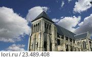 Купить «Средневековый район города Тур, Франция», видеоролик № 23489408, снято 5 сентября 2016 г. (c) Владимир Журавлев / Фотобанк Лори