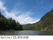 Купить «Река среди холмистых лесных берегов», фото № 23494848, снято 10 августа 2016 г. (c) Татьяна Егорова / Фотобанк Лори