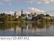 Купить «Красивый вид на Новодевичий монастырь в Хамовниках в Москве», эксклюзивное фото № 23497412, снято 18 июля 2014 г. (c) lana1501 / Фотобанк Лори