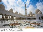 Купить «Мечеть шейха Зайда, Абу Даби, ОАЭ», фото № 23512200, снято 5 ноября 2013 г. (c) Олег Жуков / Фотобанк Лори