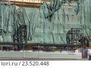 Ремонтно-восстановительные работы фасада старого дома (2016 год). Редакционное фото, фотограф Малахов Алексей / Фотобанк Лори