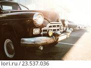 Советский ретро автомобиль марки ЗИМ. Новороссийск, Россия. Редакционное фото, фотограф Надежда Тинякова / Фотобанк Лори