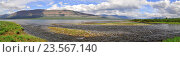 Купить «Панорама озера Глубокого на плато Путорана», фото № 23567140, снято 18 июля 2018 г. (c) Сергей Дрозд / Фотобанк Лори
