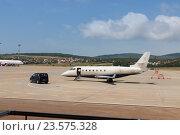 Частный бизнес-самолет (2012 год). Стоковое фото, фотограф Светлана Булычева / Фотобанк Лори