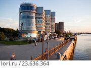 Купить «Астрахань, летний вечер на набережной Волги», фото № 23636364, снято 19 февраля 2020 г. (c) Igor Lijashkov / Фотобанк Лори