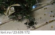 Купить «Wreath with christmas decoration on a plank», видеоролик № 23639172, снято 2 июля 2020 г. (c) Wavebreak Media / Фотобанк Лори