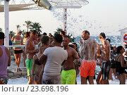 Купить «Пенная дискотека на пляже Star Beach. Крит. Греция», фото № 23698196, снято 16 сентября 2016 г. (c) Алексей Сварцов / Фотобанк Лори
