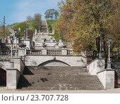 Купить «Большая Митридатская лестница, Керчь», фото № 23707728, снято 30 апреля 2016 г. (c) Галина Хорошман / Фотобанк Лори