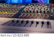 Купить «Студия звукозаписи», фото № 23823680, снято 27 января 2016 г. (c) Maxim Tarasyugin / Фотобанк Лори