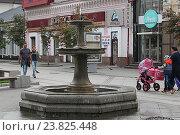 Купить «Городской фонтан на улице Ленинградской. Самара», фото № 23825448, снято 24 сентября 2016 г. (c) Алексей Сварцов / Фотобанк Лори
