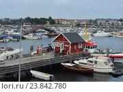 Прибрежный городок (2013 год). Редакционное фото, фотограф Юлия Алексеева / Фотобанк Лори