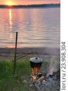 Летний вечер, закат, ужин туриста. Стоковое фото, фотограф Сергей Миляев / Фотобанк Лори