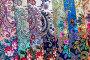 Знаменитые платки в ассортименте с различными рисунками Павловопосадской платочной мануфактуры в фирменном магазине, фото № 23958028, снято 26 октября 2016 г. (c) Николай Винокуров / Фотобанк Лори