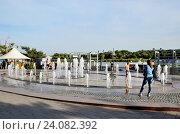 Большой фонтан, город Ростов на Дону (2016 год). Редакционное фото, фотограф Валерий Иванец / Фотобанк Лори