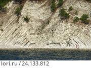 Купить «Вид с моря на скалистый берег», эксклюзивное фото № 24133812, снято 27 сентября 2015 г. (c) Dmitry29 / Фотобанк Лори