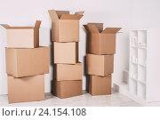 Коробки в пустой комнате. Стоковое фото, фотограф Pavel Ivanov / Фотобанк Лори