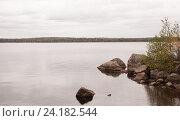 Купить «Осенний пейзаж. Береговая линия озера», фото № 24182544, снято 25 сентября 2016 г. (c) Андрей Липинский / Фотобанк Лори