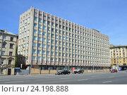 Купить «31-й Государственный проектный институт специального строительства (31 ГПИСС). Смоленский бульвар, 19, строение 1. Район Хамовники. Москва», эксклюзивное фото № 24198888, снято 17 июля 2016 г. (c) lana1501 / Фотобанк Лори