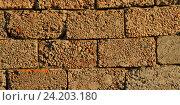 Стена из шлакоблоков. Стоковое фото, фотограф Great Siberia Studio / Фотобанк Лори