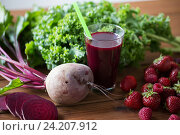 Купить «glass of beetroot juice, fruits and vegetables», фото № 24207912, снято 5 августа 2016 г. (c) Syda Productions / Фотобанк Лори