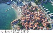 Купить «Вид с воздуха на Старую Будву в Черногории», видеоролик № 24215816, снято 28 мая 2016 г. (c) Иван Кузнецов / Фотобанк Лори