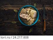 Маринованое мясо со специями и луком. Стоковое фото, фотограф Ксения Кузнецова / Фотобанк Лори