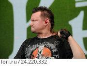 Купить «Андрей Князев на Доброфесте», фото № 24220332, снято 2 июля 2016 г. (c) Голованов Сергей / Фотобанк Лори